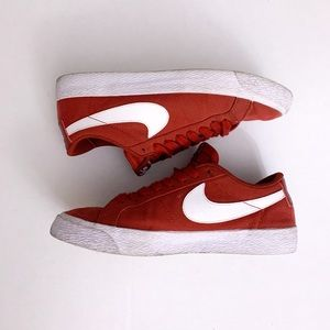 Red Nike Low Tops! (W8.5, M7)